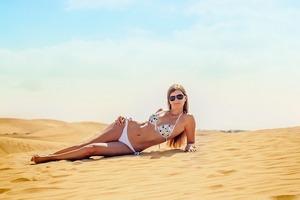 bikini-1762412_1280