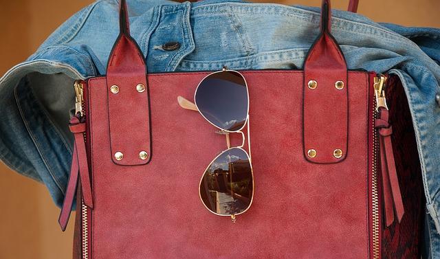 Актуальные аксессуары для подчеркивания своего стиля в нашем интернет магазине сумок