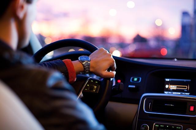 Аренда авто с водителем плюсы и минусы