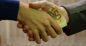 Что делать если фирма с который вы заключили договор ликвидируется. Можно ли вернуть средства?