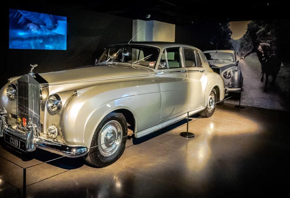 Что из себя представляет музей Джеймса Бонда в Лондоне?