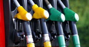 Почему бензин нельзя тушить водой И как правильно это сделать.